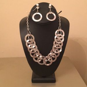 Jewelry - Silver Necklace and Earring Set!